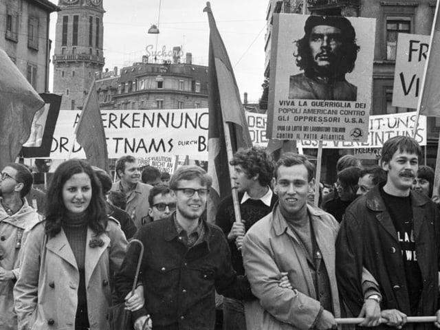 Demonstranten während dem Tag der Arbeit