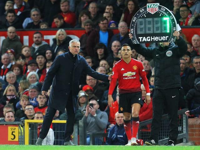 Mourinho wechselt Sanchez ein