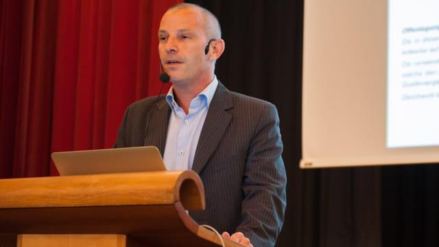 Peder Plaz, il maina gestiun dal Forum d'economia Grischun