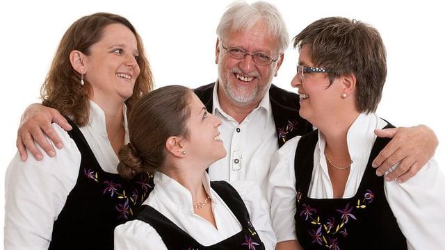 Drei Frauen und ein Mann.