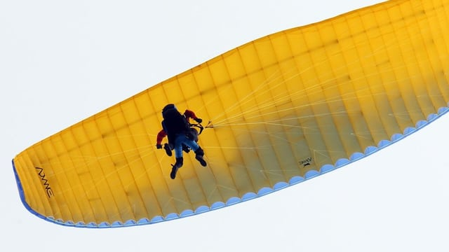 Beim Landeanflug in der Region Brig abgestürzt: Gleitschirmpilot tödlich verunglückt.