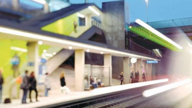 Bild einer Visualisierung, wie eine zukünfitge Haltestelle des S-Bahn-Herzstückes aussehen könnte