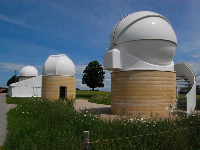 Teleskop-Kuppeln der Sternwarte Zimmerwald