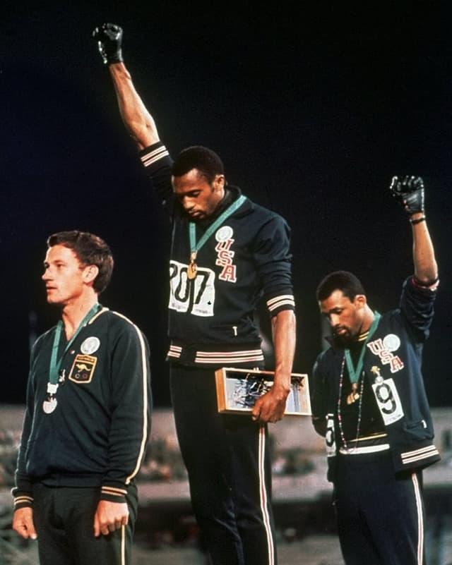 Goldmedaillen-Gewinner Tommie Smith und John Carlos (Bronze) in Mexiko-Stadt.