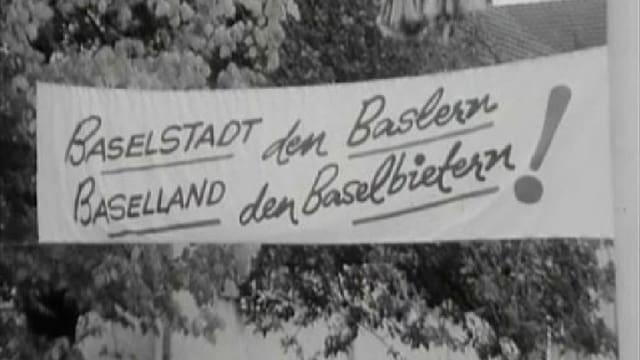 Ein Plakat am Baselbieter Volkstag in Gelterkinden - kurz vor der Fusionsabstimmung von 1969.
