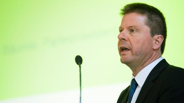 GLP-Präsident Martin Bäumble während seiner Rede an der Delegiertenversammlung.