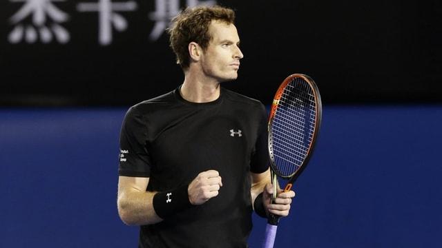 Andy Murray sa legra suenter avair fatg il punct decisiv cunter Nick Kyrgios