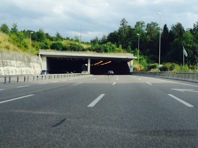 Autobahn bei Zürich.