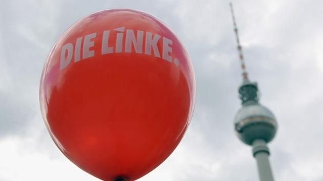 Ein roter Ballon mit dem Aufdruck Die Linke