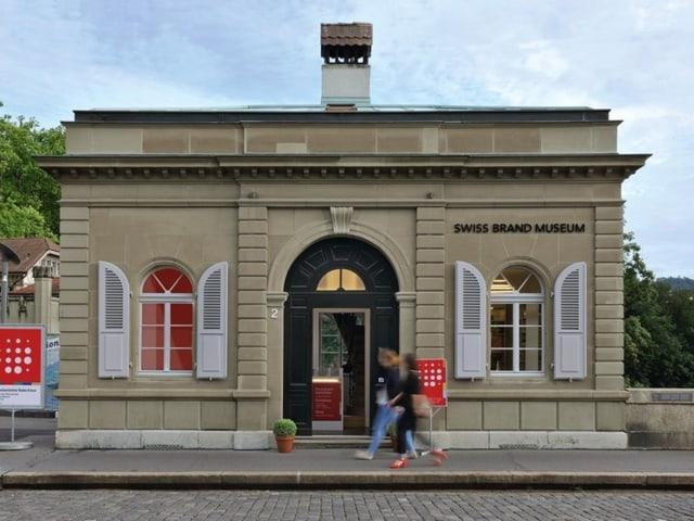 Das Zollhaus, noch angeschrieben mit Swiss Brand Museum