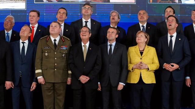 Regierungschefs der EU, die sich an Pesco beteiligen