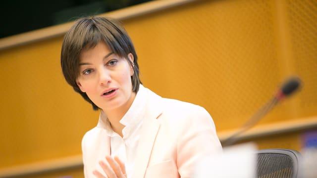 La parlamentara d'Europa da l'Italia, Lara Comi.