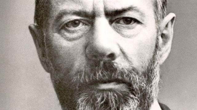 Max Weber schaut ernst.