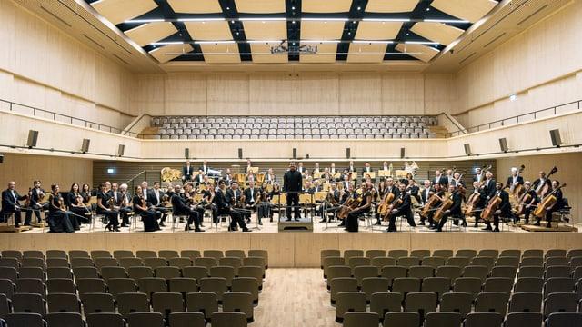 Das Orchester vor leeren Rängen