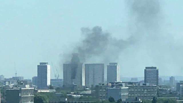 Brennendes Hochhaus