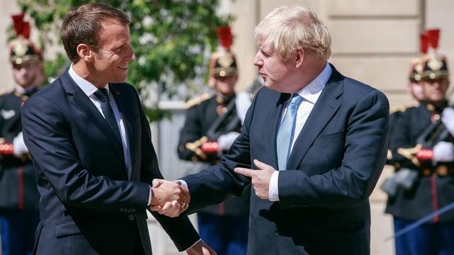 Boris Johnson wird den Schwarzen Peter nicht los