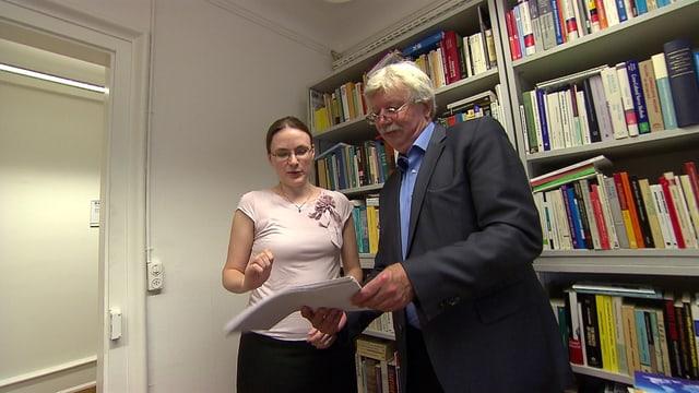 Die Autoren der SRF/ETH-Risikostudie: Heidi Bruderer Enzler und Andreas Diekmann, Professur für Soziologie ETH Zürich, in ihrem Büro.