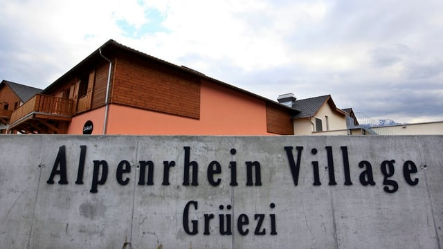 Eingang zum Alpenrhein Village, Landquart