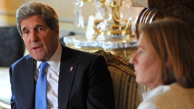 John Kerry im Gespräch mit der israelischen Justizministerin Tzipi Livni.