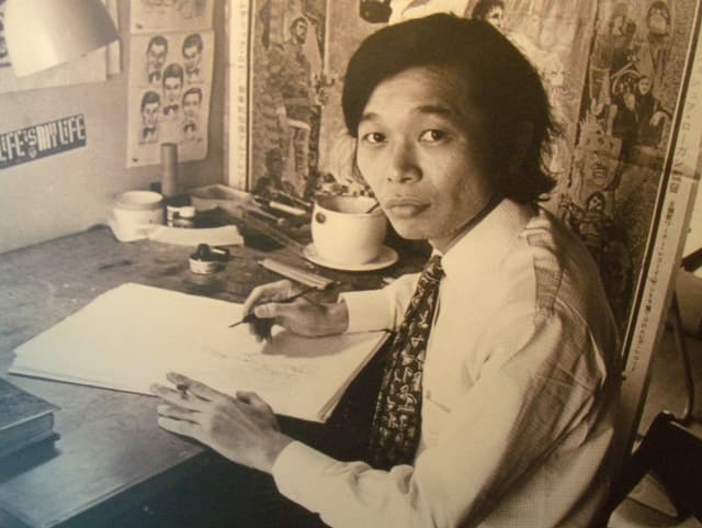 Kazuo Kamimura beim Zeichnen.