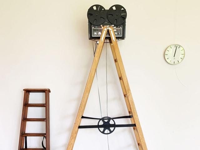 Tonband auf Leiter