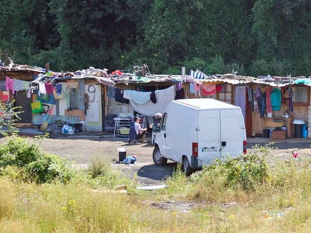 Blick auf eine Hüttensiedlung der Roma