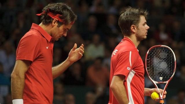 Roger Federer und Stanislas Wawrinka verlieren das Doppel gegen Mardy Fish und Mike Bryan in 4 Sätzen.