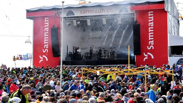 La gruppa englaisa «Bastille» en acziun sin Alp Trida.
