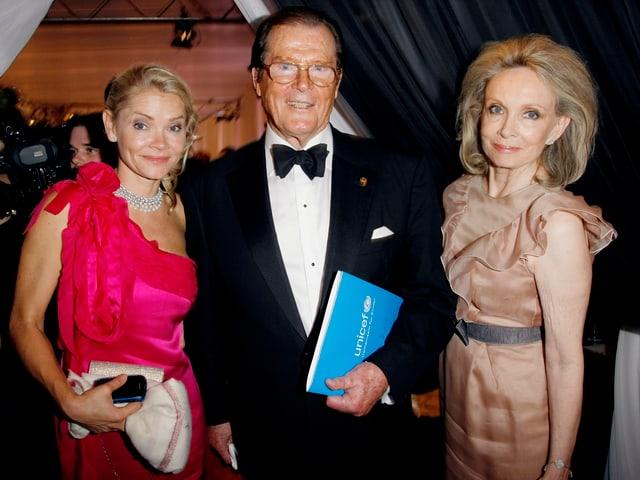 Christina mit ihren Eltern Roger Moore und Kiki Tholstrup.