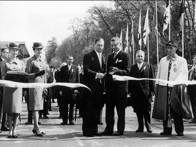 Bundespräsident Ludwig von Moos eröffnet die Expo 64 in Lausanne