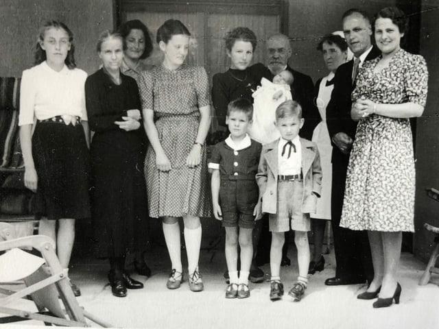 Familienfoto von der Taufe.