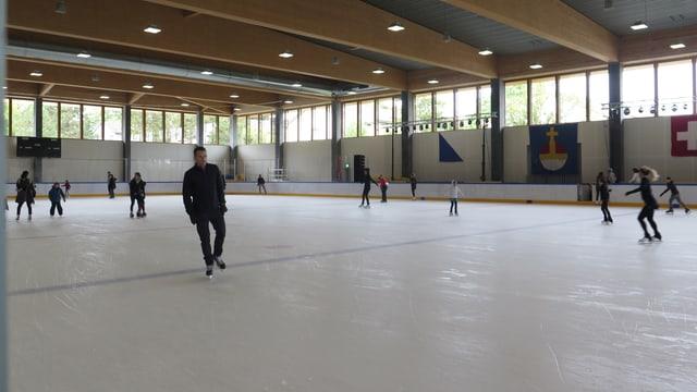 Neue Eishalle im Heuried