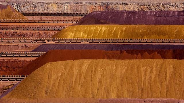 Eisen- und Erzhügel in Australien. (keystone)