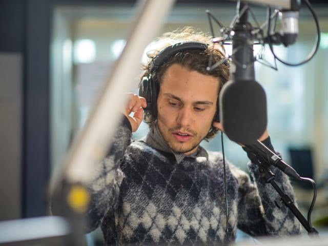 Best-Talent-Finalist Leduc machte den Auftakt zum Zmorge im SRF 3 Studio.