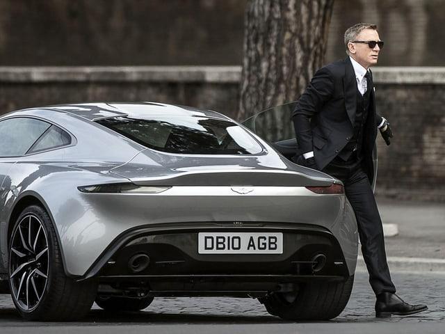Bond mit Aston Martin