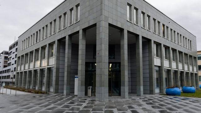 Das Kantonsgerichtsgebäude von aussen.