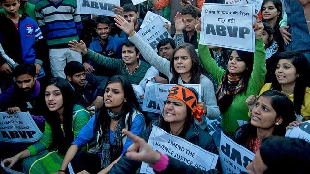 Demonstrierende Frauen