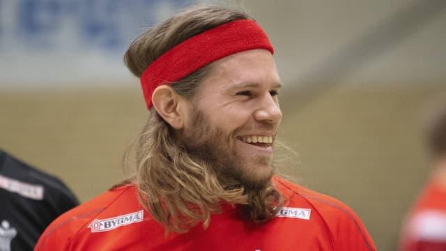 Mikkel Hansen lachend im Training