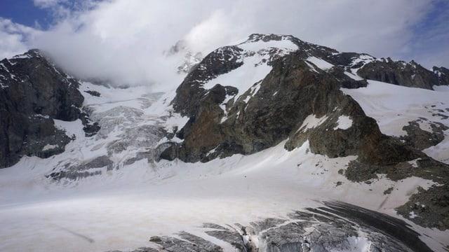 Gletscher und Berg.