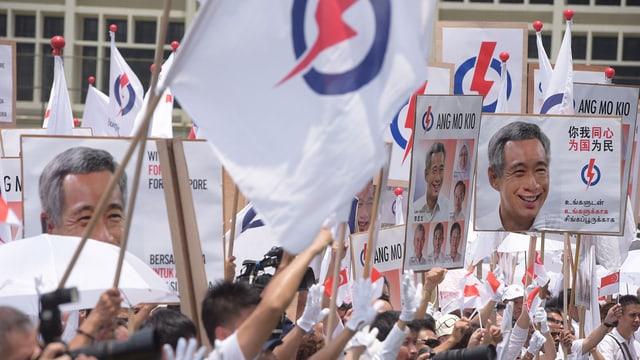 Adherents da la partida regenta PAP.