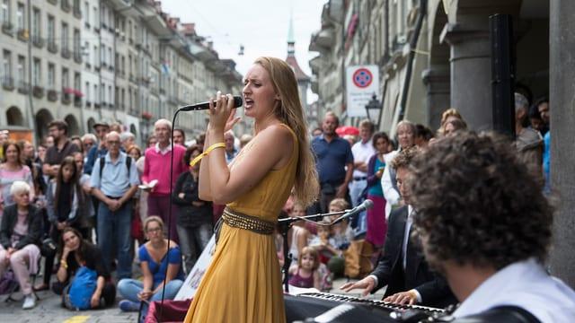 «Louisa Lyne & di Yiddishe Kapelye» spielten am Strassenmusikfestival Buskers auf.
