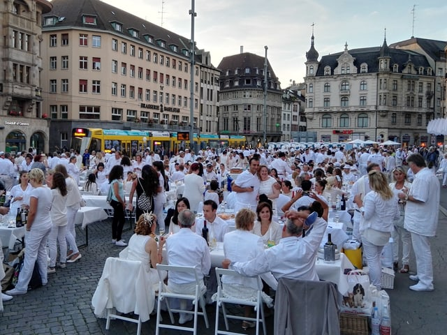 White Dinner Märtplatz