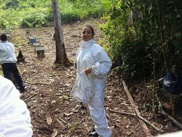 Kenia Beatriz Melgar Núñez konnte dank Helvetas das Handwerk der Imkerei lernen.