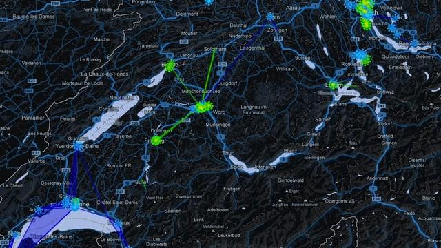 Die Karte von Ingress zeigt die Schweiz - mit einem neuen Rösti-Graben: Im Westen sind die Gebite blau eingefärbt, das zeigt den Widerstand an, im Osten ist grün die vorherrschende Farbe - die Erleuchteten.