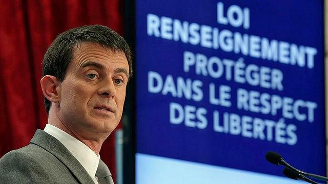 Valls an Rednerpult
