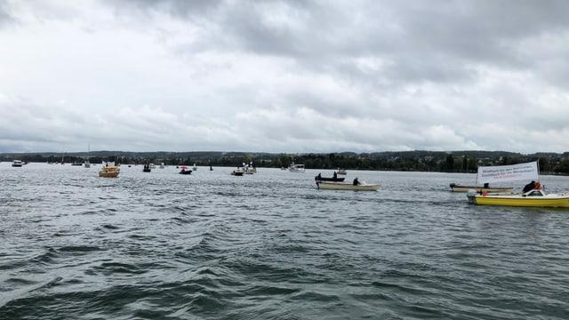 Boote auf dem See.