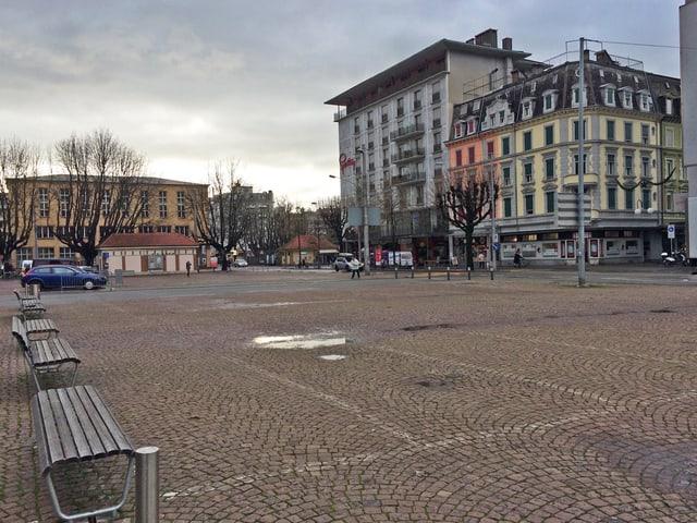 Der leere Neumarktplatz in Biel.