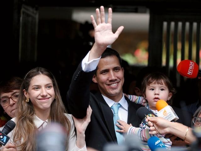 Guaido mit seiner Familie.