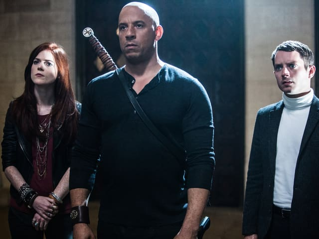 Von links nach rechts: Chloe (Rose Leslie), Kaulder (Vin Diesel) und Dolan, der 37. (Elijah Wood).