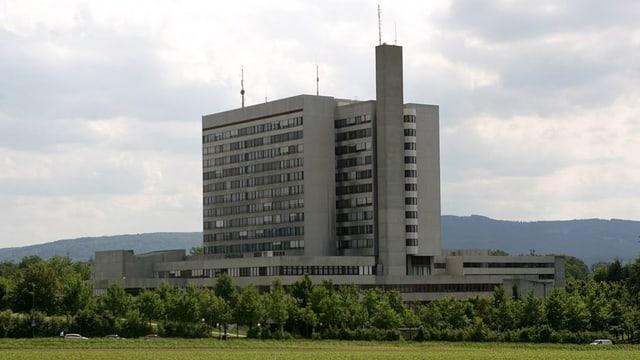 Das Bruderholzspital soll im Rahmen der Spitalfusion umgebaut werden.